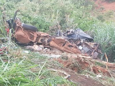 Gol onde as vítimas estavam ficou completamente destruído (Foto: Divulgação/PRF). Foto: Divulgação PRF