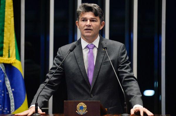 O senador José Medeiros (PSD-MT) afirma que PT está desesperado porque Lula pode não ter condições jurídicas de ser candidato no pleito de 2018. Foto: Divulgação